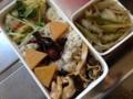 キノコソテーのマリネ、里芋の梅おろし和え、キャベツとゴボウの煮浸