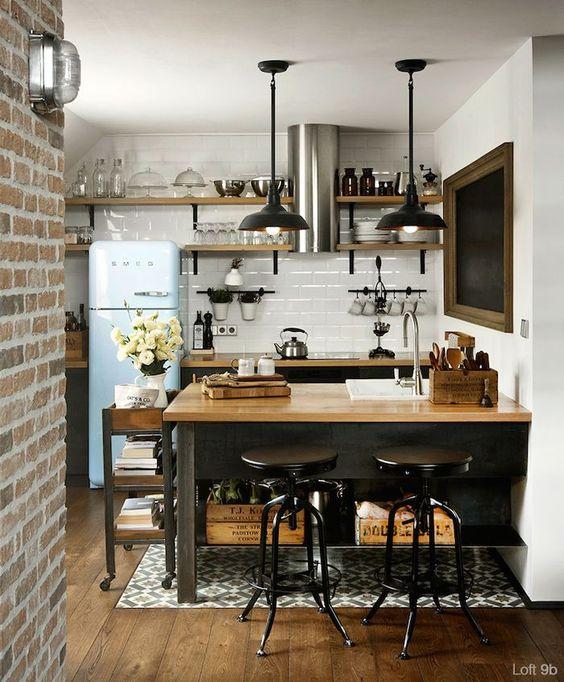 インダストリアルな海外の壁付けキッチン1