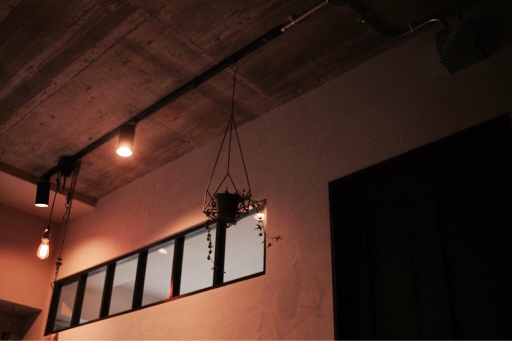 リノベーションでリビングに設けた室内窓