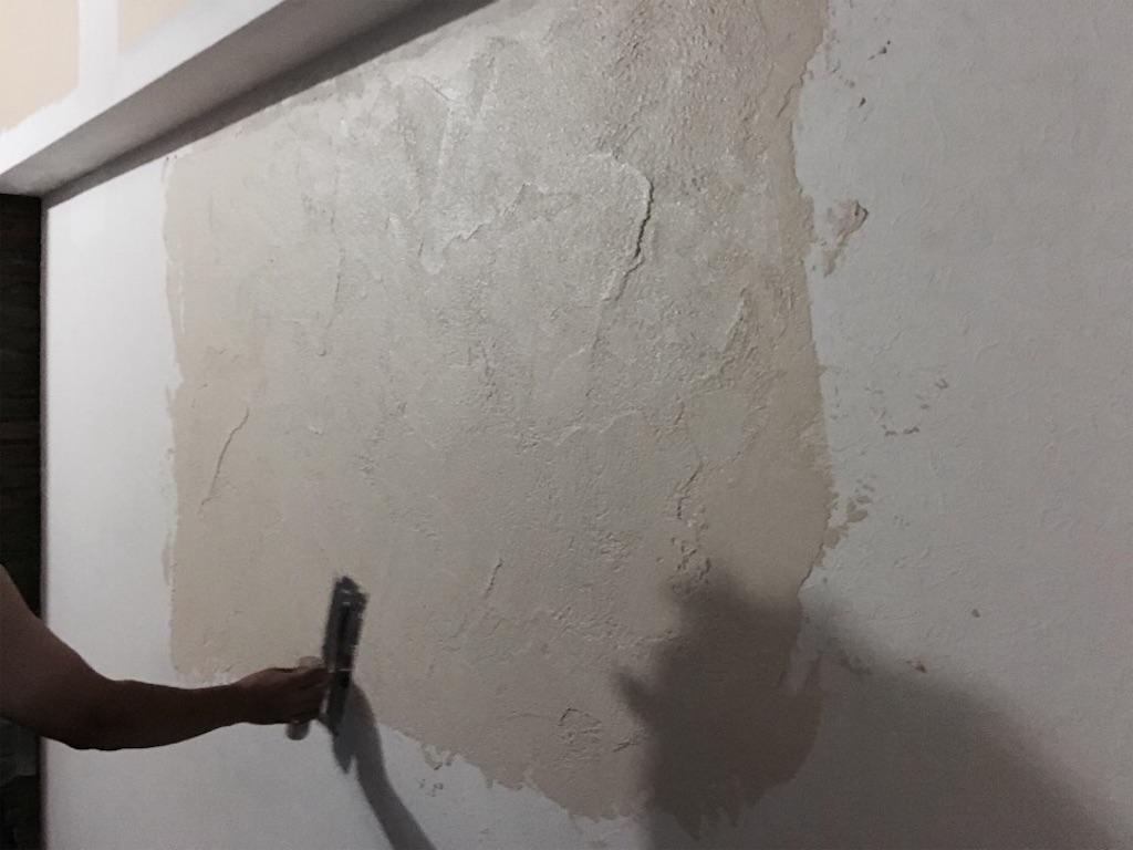 職人が塗るゼオライト