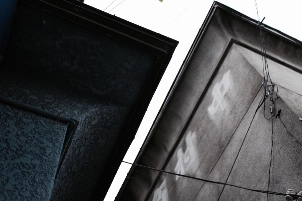 ふたつの屋根と外壁