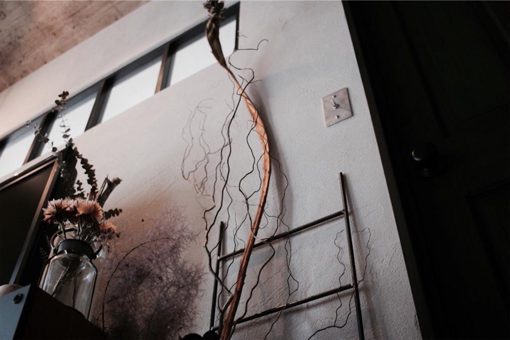 リノベーションでリビングに造作した室内窓