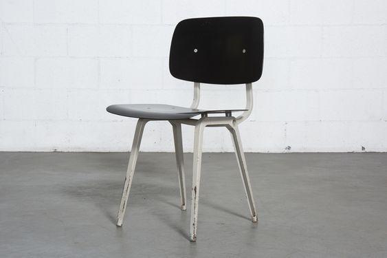 オランダFriso Kramer(フリゾクラマー)デザインのリボルトチェア(Revolt Chair)