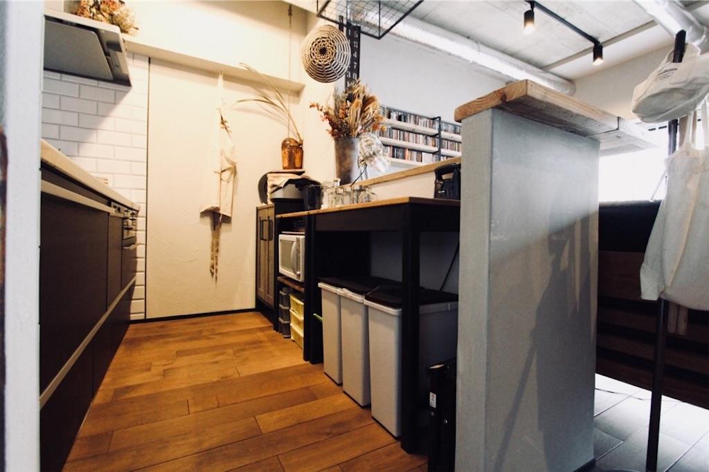 リノベーションでキッチンも無垢床に