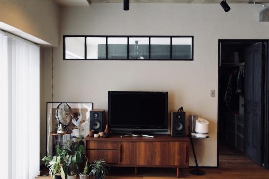 梁下ギリギリに設置した室内窓(インナーウィンドウ)