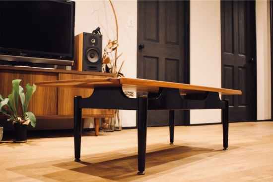 イギリスG-PLAN「Tola&Black」のヴィンテージテーブル