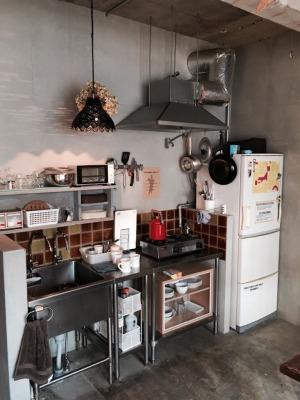 UNTAPPED HOSTEL2Fの共用キッチン