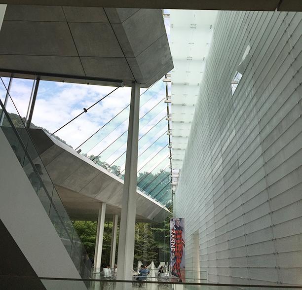 美術館内画像