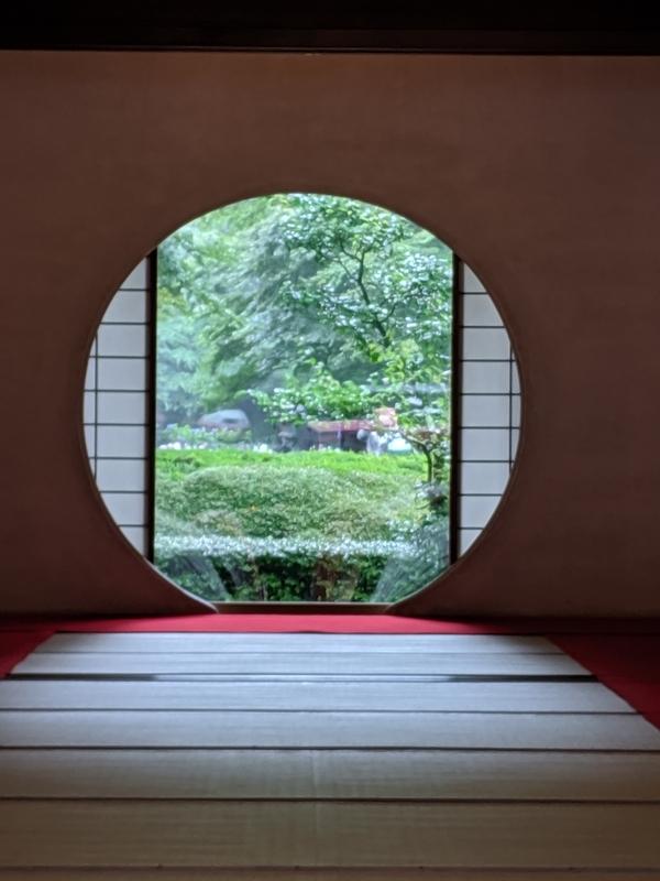 明月院の悟りの窓2