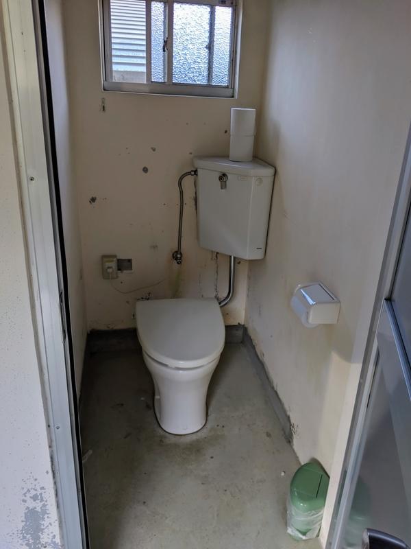 西の海キャンプ場のトイレ