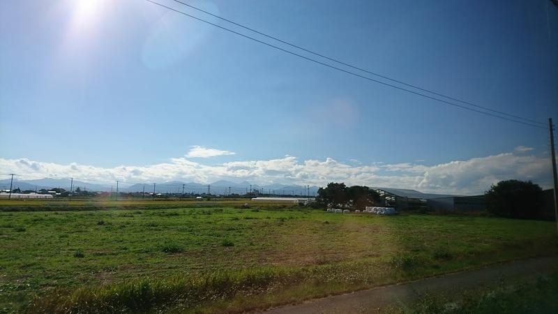 車窓から見える田園風景