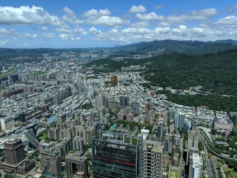 台北101の展望台から西側