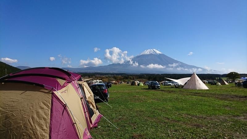 タフスクリーン2ルームハウスと富士山
