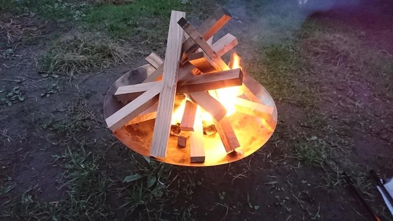 ファイヤーディスクで火起こし