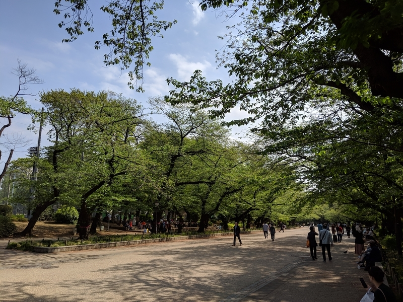 上野公園内の通路