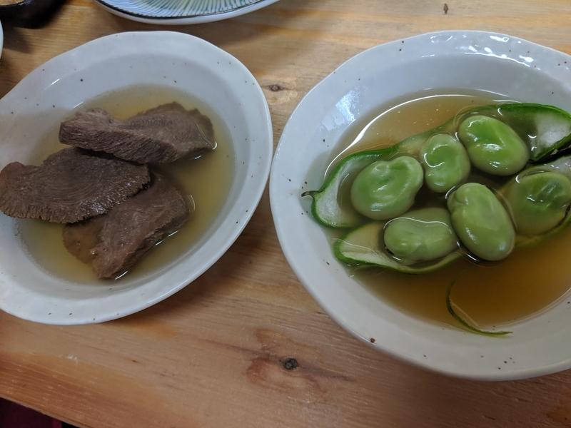 牛タンと空豆