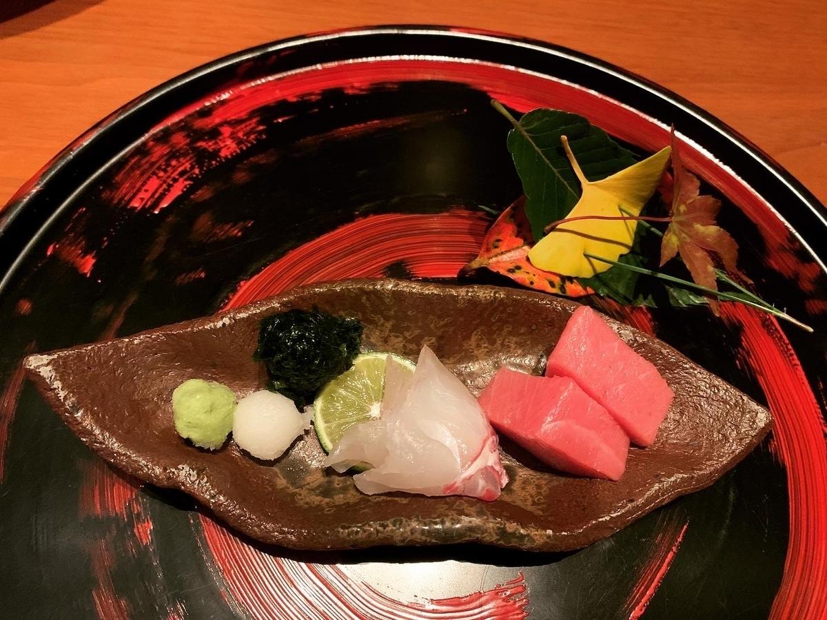 お造り盛り合わせ、4種盛り、まぐろ、いか、鯛、鯖
