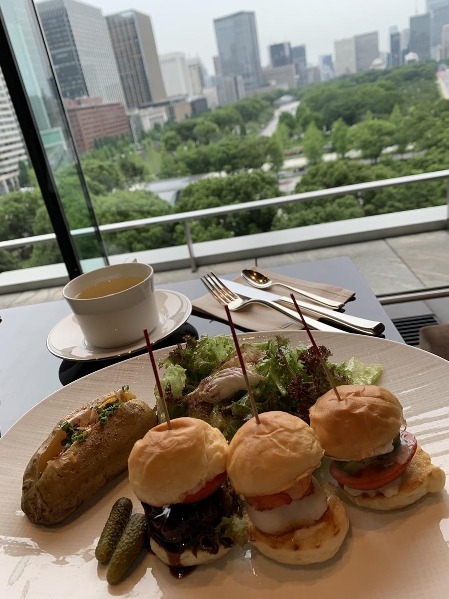 パレスホテル東京、スライダー、ホテルラウンジ、ホテルバー、プリヴェ