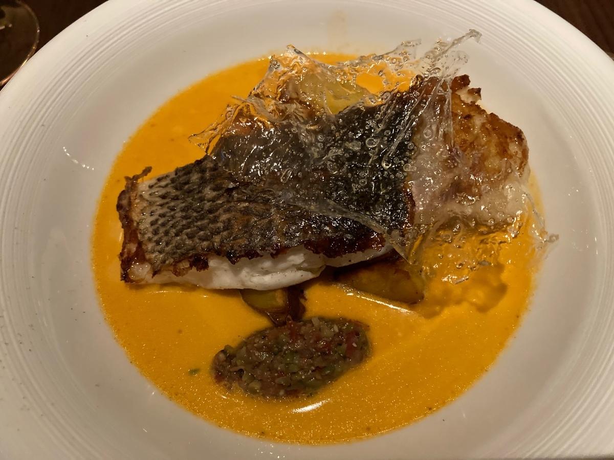 キンプトンホテル、ディストリクト、ホテルディナー、魚料理