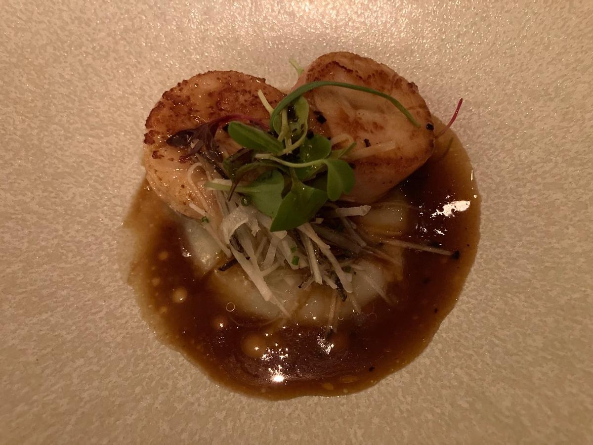 帆立貝、魚料理、プレミアムディナー、グランドキッチン、パレスホテル、ホテルディナー