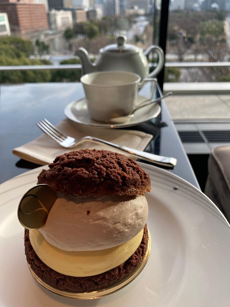 パレスホテル東京、ラウンジバープリヴェ、シュークリーム、ホテルラウンジ