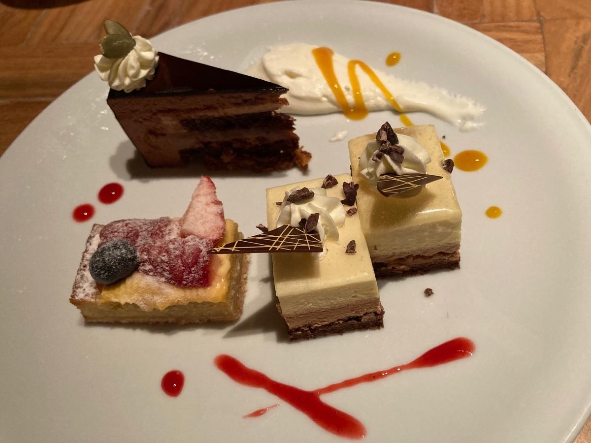ハイアットリージェンシー東京、カフェ、お好みのドルチェ、ホテルスイーツ
