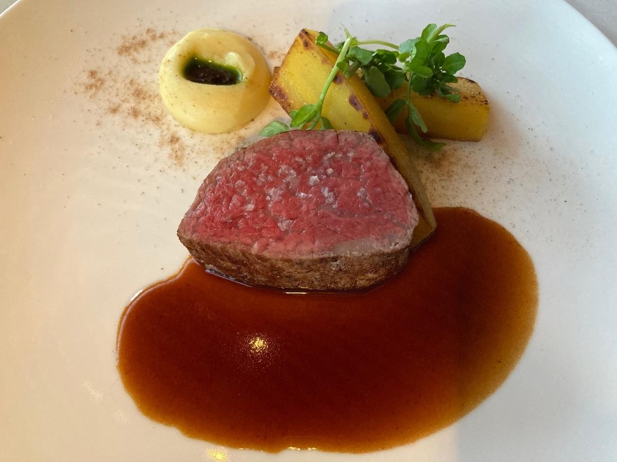 スロークック、和牛、ステーキ、肉料理