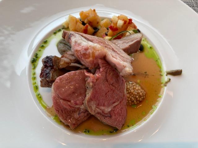 オーストラリア産仔羊のロースト、肉料理、スモーク料理