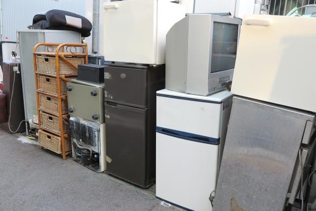 中古で家具や家電を買うならリサイクルショップ