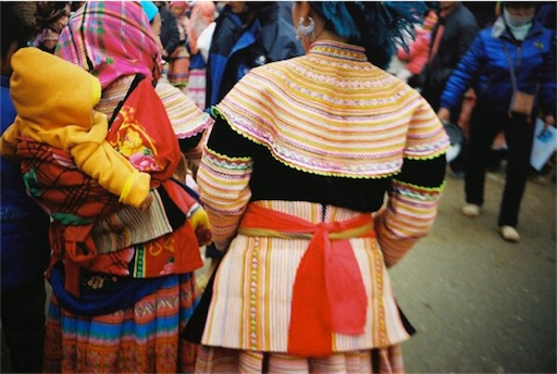 モン族 衣装
