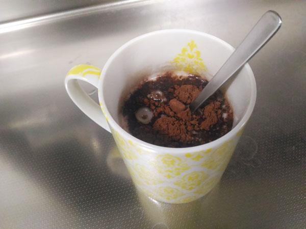 マグカップにココア