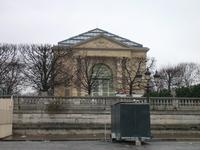 まだ工事しているオランジュリー美術館。