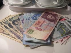 円とフォリントとユーロと