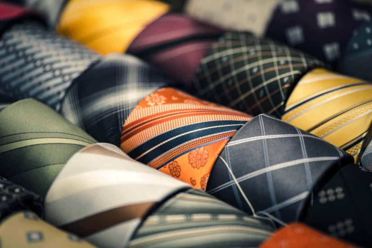 ネクタイ売り場 ネクタイの売上を上げる