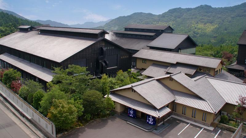 宝山で有名な西酒造の全景