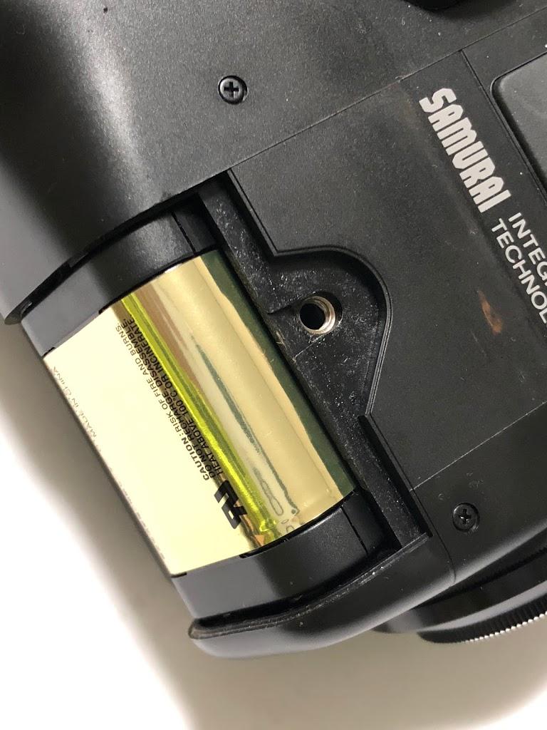 京セラサムライの本体の電池は2CR5