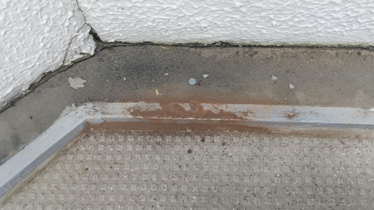 DIY 鉄骨階段 サビ塗装