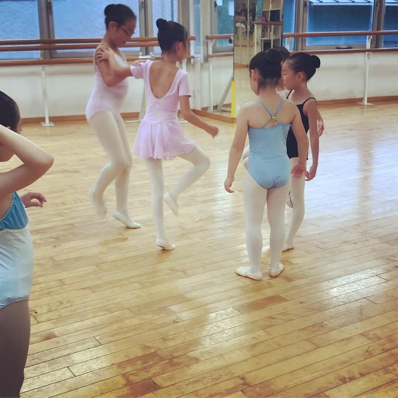 f:id:yoshimoto_ballet:20181004162911j:image:w640