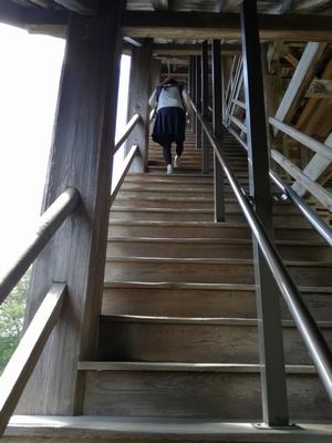 笠森観音本堂階段