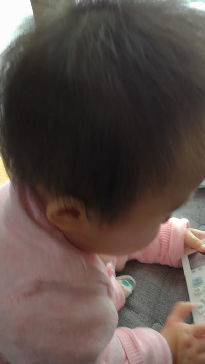 赤ちゃんリモコン好き