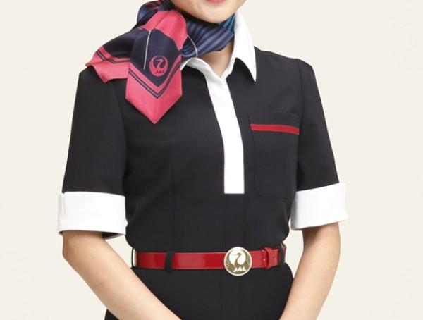JAL新制服 上半身の上着なし画像