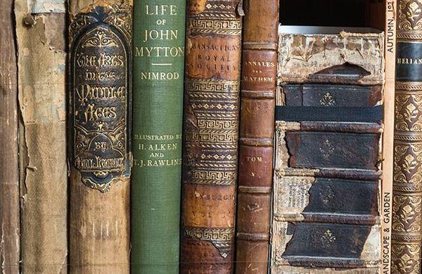 古い書籍の写真