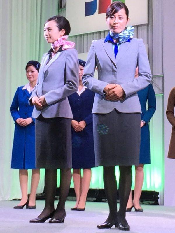 ANA新制服  10代目 全身画像