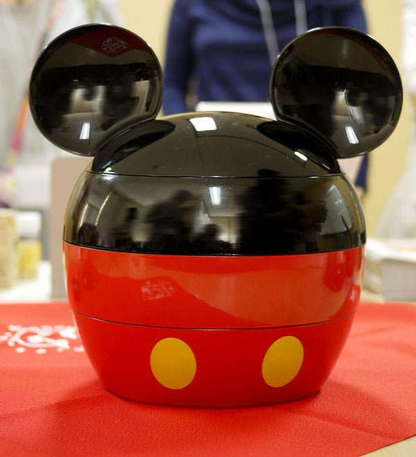 ベルメゾン 「ミッキーマウス・シルエット三段重」