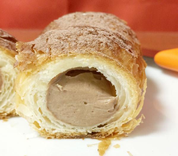 ベッカライ・ブロートハイムのチョコクリームホーン タイトル画像