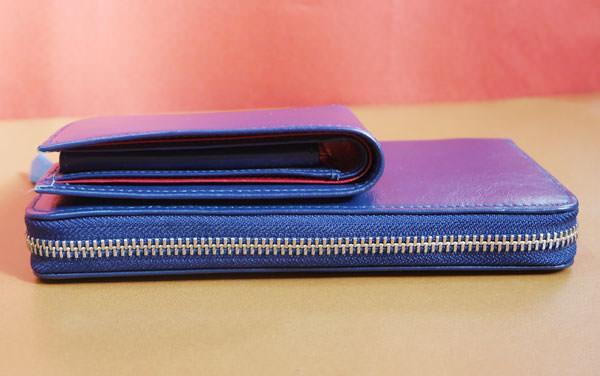 ラウンドファスナー財布と二つ折り財布の厚さを比較した