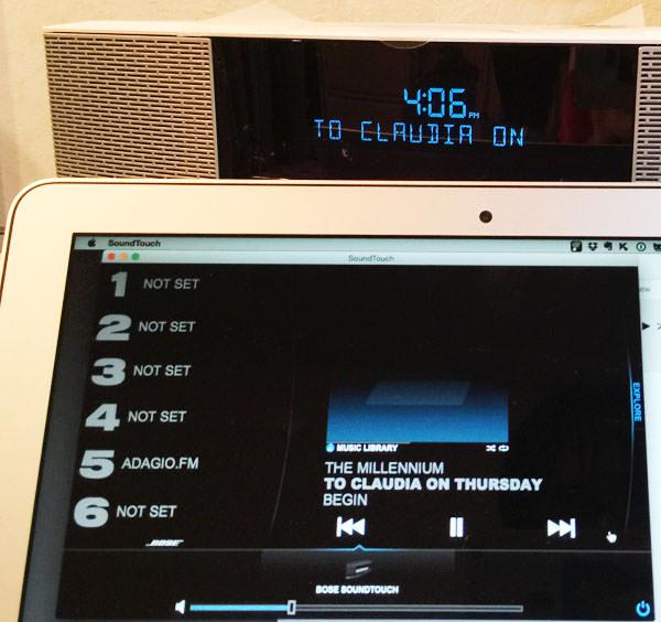 プレイリストを再生すると、Wave SoundTouch music system IVに曲名が表示される