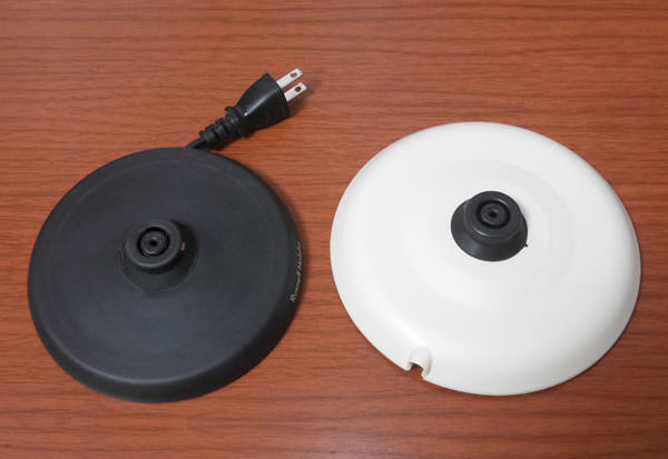 ラッセルホブスの電源ベースと大きさを比較