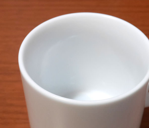 白く美しい陶器肌