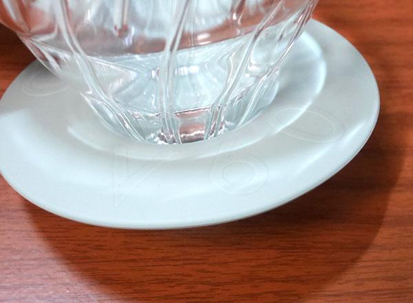 台座の円盤部分はシリコーンゴム製